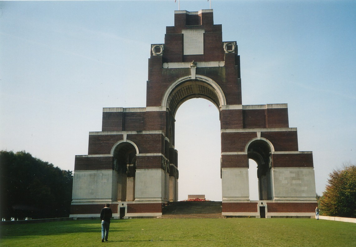 British Memorial for the Missing of the Somme, Thiepval - KLIK VOOR EEN VERGROTING